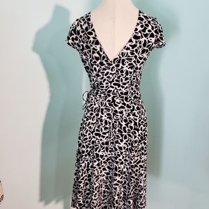 London Times Ladie's black and white dress, size 8